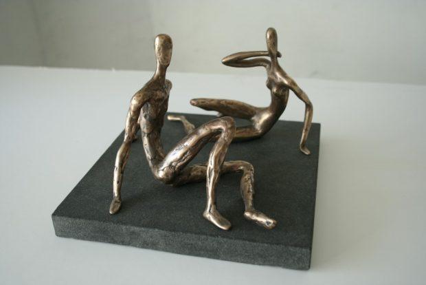 Divatā, 2008. Bronza, granīts. 23x18x18 cm. Autora īpašums.