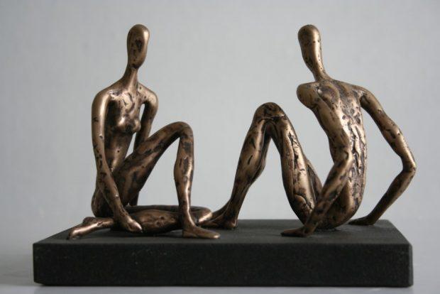 Saruna, 2008. Bronza, granīts. 23x18x18 cm. Autora īpašums.