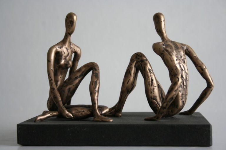 Conversation, 2008 Bronze, granite. 23x18x18 cm. Author's private collection.