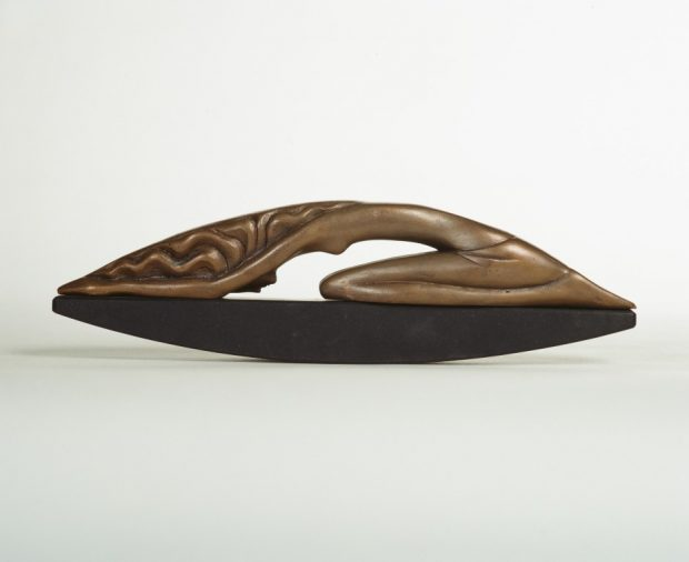 Veltījums 1994.   Bronza, granits. 11 X 9 X 4 cm  Privātkolekcija, Latvija