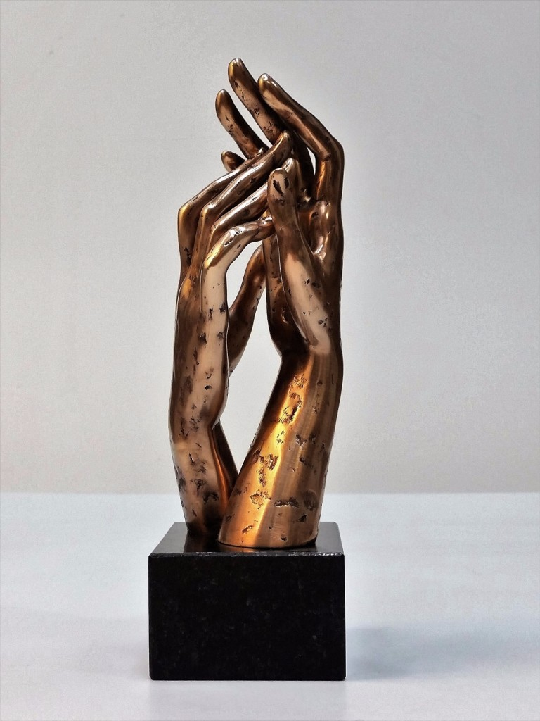 Caress 2016 Bronze, granite. 23,5X9X7,2 cm