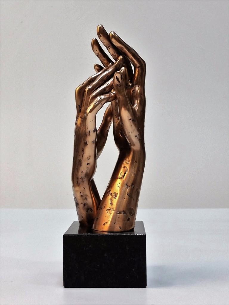 Caress 2016 Bronze, granite. 23,5X9X7,2 cm