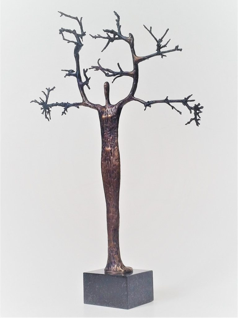 Tree. 2019 bronze, mahogany, 48x36x10 cm, Property of the author.
