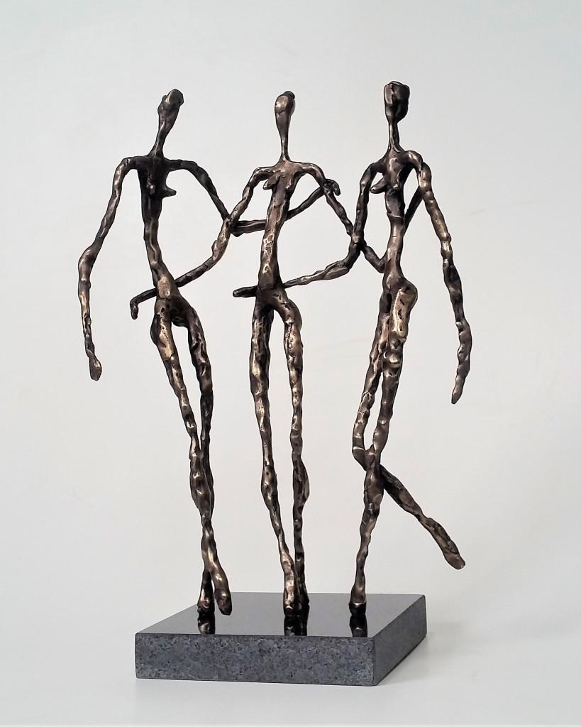 Tris grācijas. 2019. bronza, granīts, 38x25x15 cm